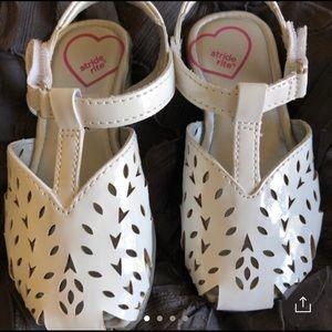 Like new infant 7 shoe